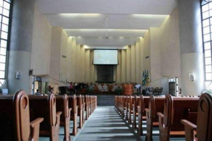 Justiça libera funcionamento de igrejas e casas lotéricas