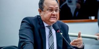 Frente Parlamentar Evangélica repudia post de jornalista em rede social