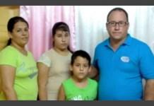 Casal de pastores recebe liberdade depois de ficar preso por não enviar filho à escola comunista em Cuba