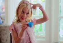 Garota transexual de nove anos é personagem da nova Série infantil da Netflix