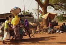 Sobe para mais de um milhão de deslocados em Burkina Faso, por causa da fé cristã