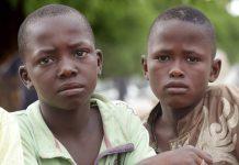 Mais de 300 garotos sequestrados são libertados na Nigéria