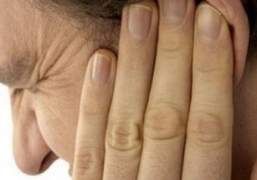 Top 12 Natural Cures For Ear Ringing