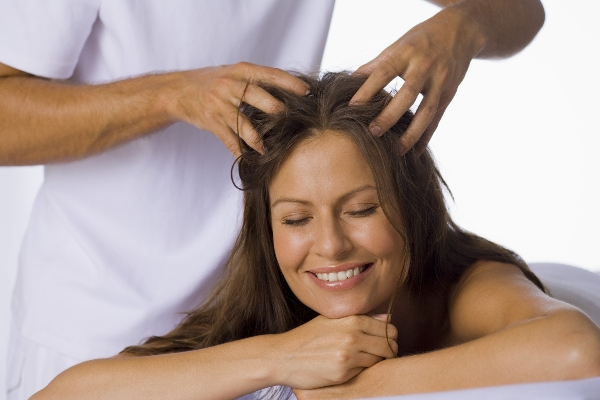 hair massage with sesame oil
