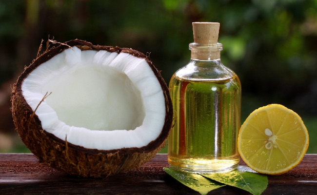 The Lemon And Coconut Oil Cleanser