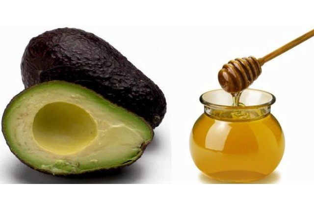 Avocado Honey Mask For Smooth And Hydrated Skin