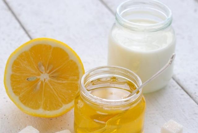 Milk, Honey And Lemon Juice Mix