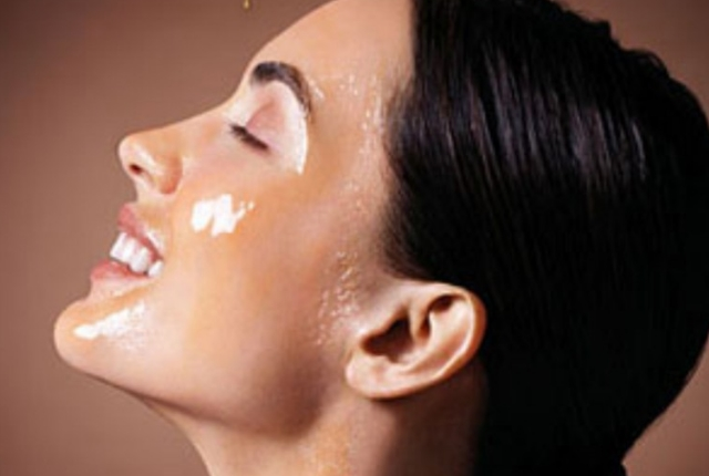 Honey cleanses the Pores