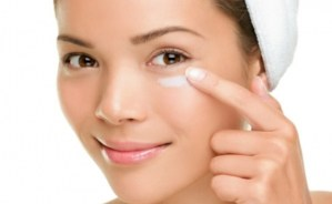 Easy Natural Organic Anti-Aging Eye Cream Recipe For Removing Wrinkles Around The Eyes