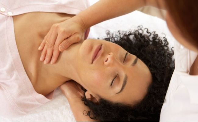 Image result for 4 TECHNIQUES FOR MASSAGES THAT CAN RELIEVE YOUR MIGRAINES (VIDEO)
