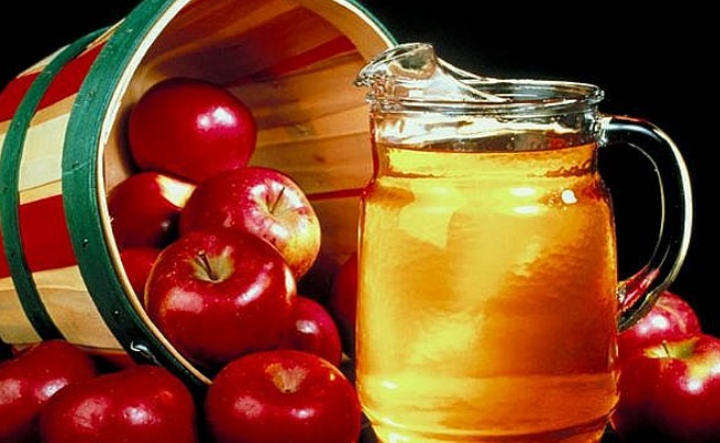 Mix Of Apple Cider Vinegar And Hot Water