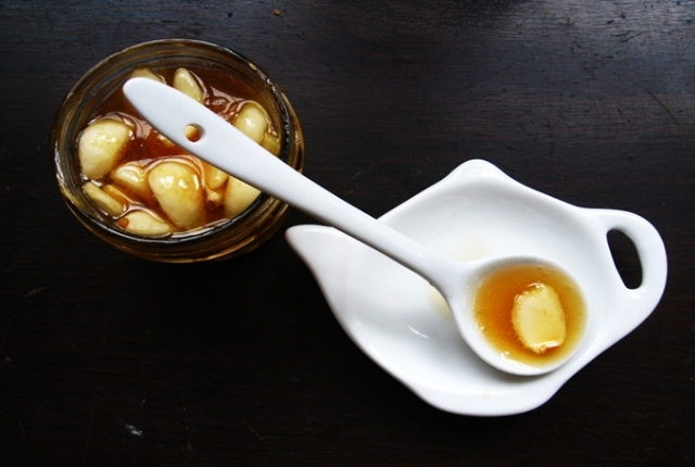 Consume Raw Ginger And Honey