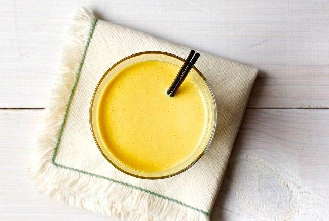 Mango With Turmeric And Honey