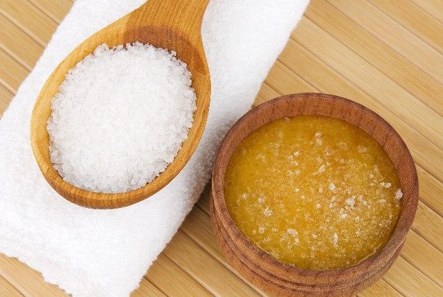 Salt And Honey Scrub