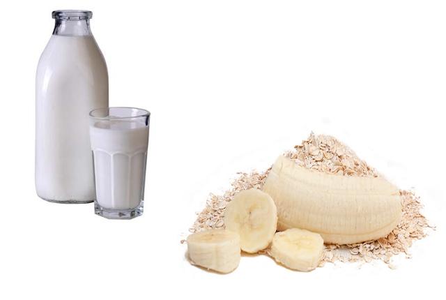 Banana milk and oatmeal pack