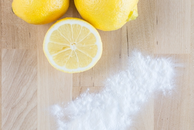 Baking Soda And Lemon Scrub