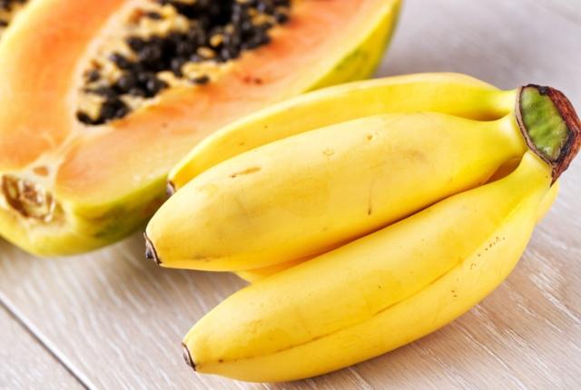 Banana And Papaya Face Mask