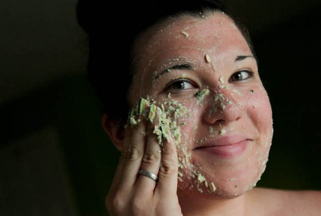 Cucumber And Almond Face Mask