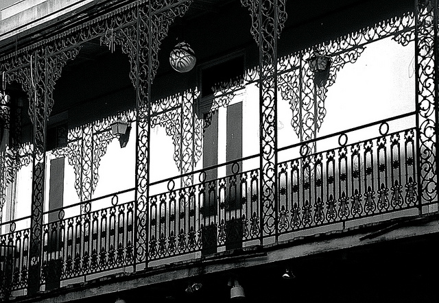 ghost tour guide job in New Orleans