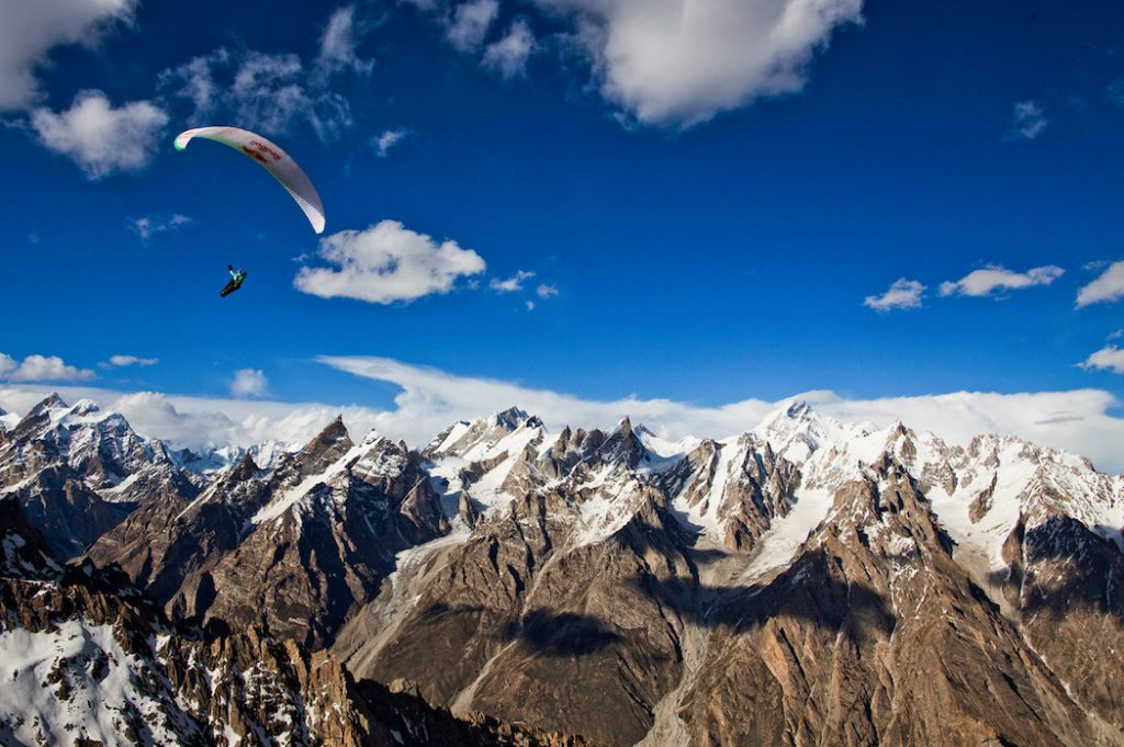 Cross country flight in Hushé valley.