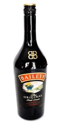 Irish Cream Scones with Baileys' drizzle | seasonalmuse.com