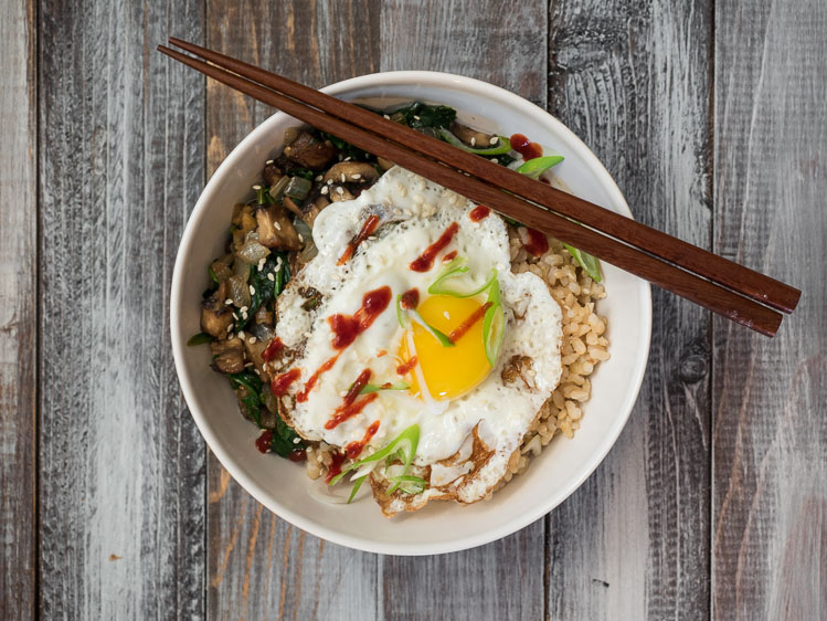 Asian Rice Bowl | A hearty Asian rice bowl with spinach and mushrooms. Simple but flavorfully prepared with garlic and ginger. | seasonedvegetable.com