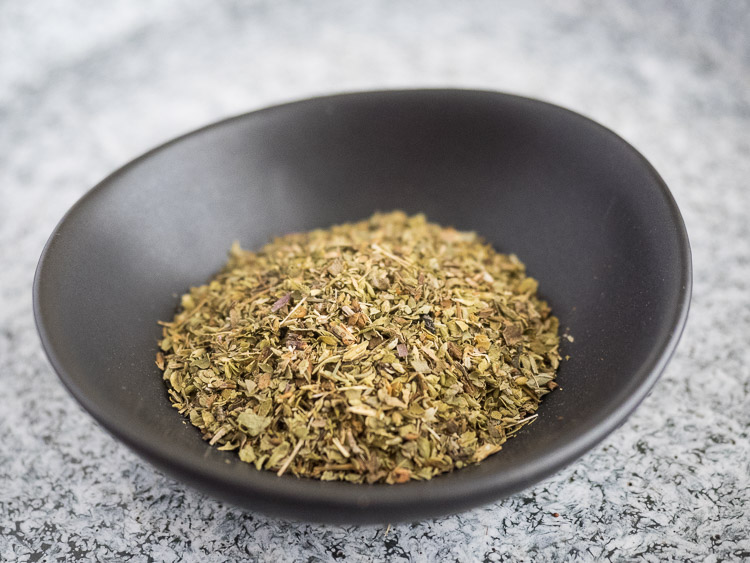 5 Essential Spices and Herbs - Oregano | seasonedvegetable.com