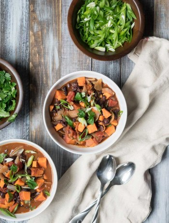 Sweet Potato Chili with Black Beans and Chocolate | An easy, hearty vegetarian sweet potato chili with black beans and chocolate. Make ahead for weeknight dinners and let the flavors meld together. | seasonedvegetable.com