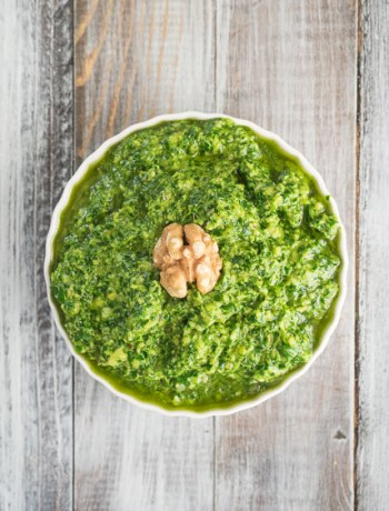 Arugula Pesto | A bright, peppery arugula pesto with parsley and walnuts. Perfect for pasta or toast and ready in 10 minutes! | SeasonedVegetable.com