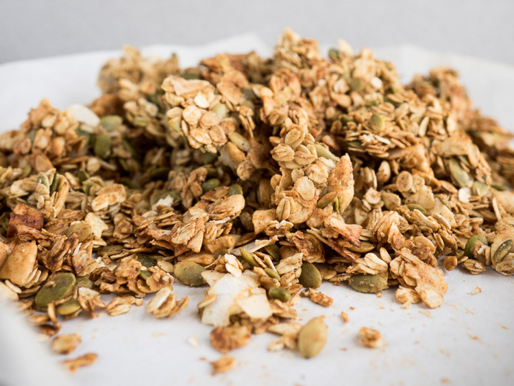 Savory Garam Masala Granola | A vegan and gluten free garam masala granola perfect for breakfast or as a snack! With cashews, pumpkin seeds, and coconut flakes, it's full of flavor! | SeasonedVegetable.com