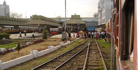 Train travel in Myanmar (Burma) | Train times, fares, tickets, photos