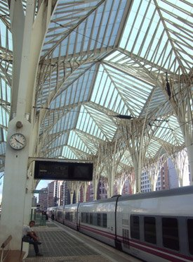 The Sud Express arrives in Lisbon Oriente station. London & Paris to Lisbon by train!