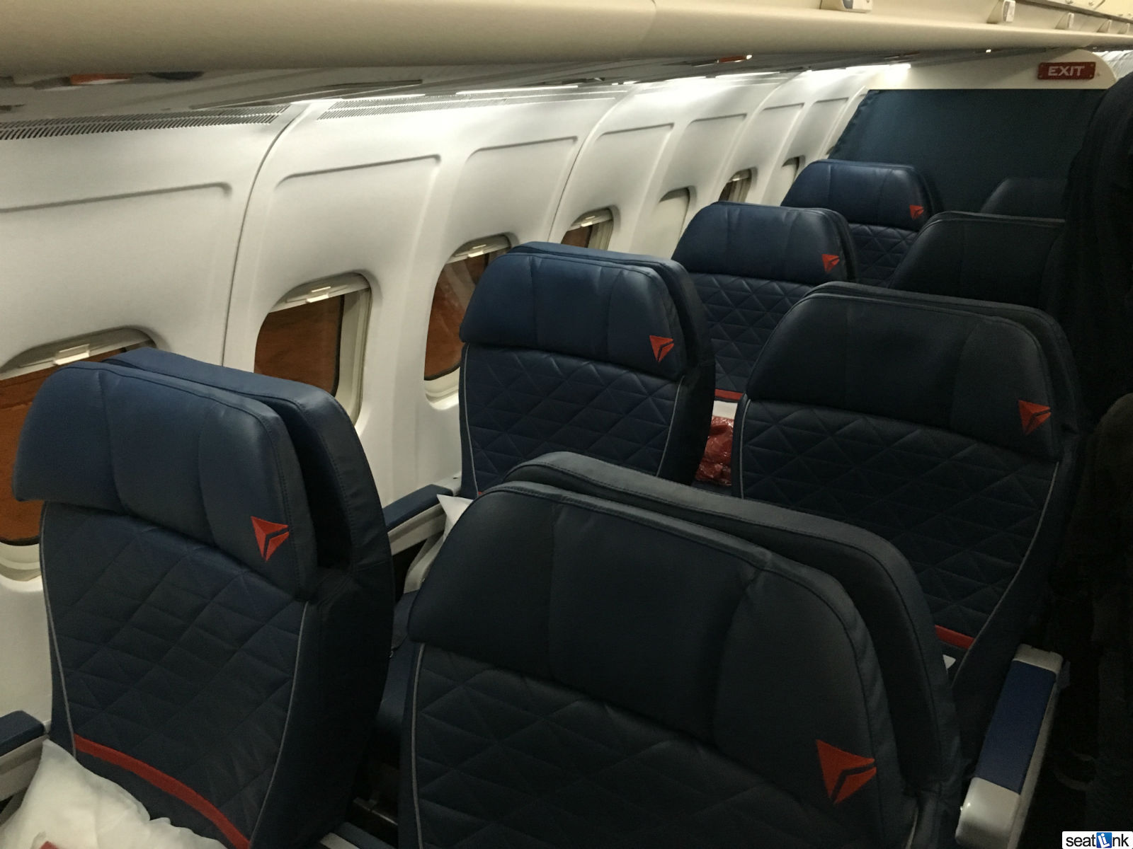Delta One MD-88 first class