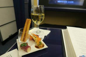 Champagne and hors d'oeuvres in ANA first class