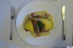 Western breakfast in ANA first class