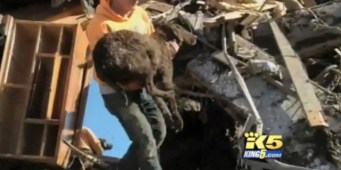 Oso Landslide One Year Later: Family finds their dog in rubble of their destroyed home