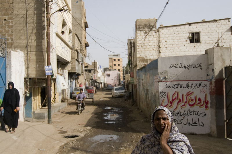 Karachi Neighborhood Shakes Violent Reputation To Produce