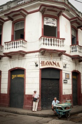 Getsemaní's Cafe Havana, which has hosted celebrities like Hillary Clinton, is symbolic of the challenges of a changing neighborhood trying to hold on to its authentic feel. (Photo by Wesley Tomaselli)