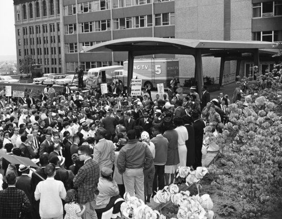 Outside Seattle City Hall, July 1, 1963 Bruce McKim / The Seattle Times