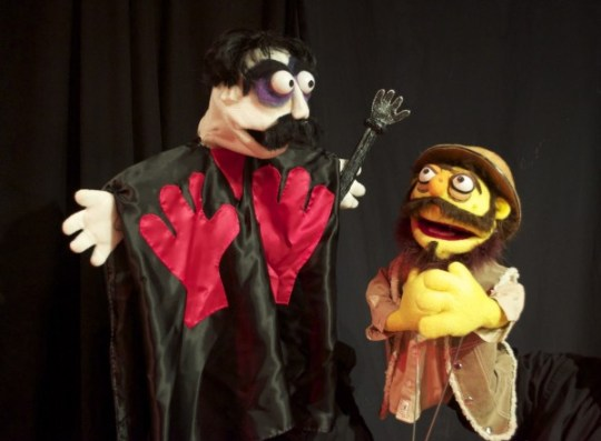 Photo courtesy of Manos: Hands of Felt (puppetmanos.com)