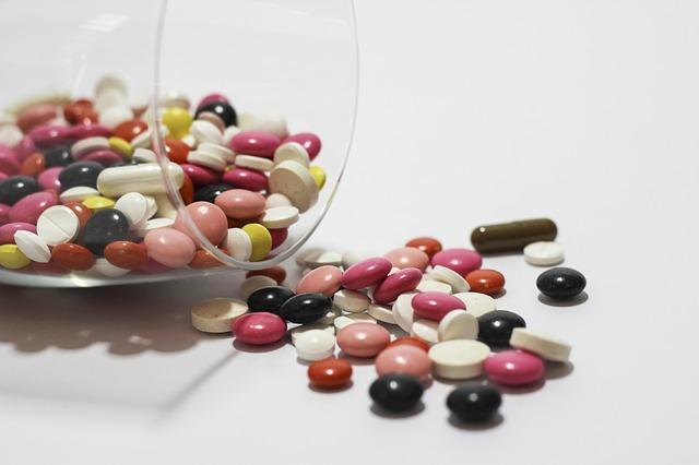 medications-342484_640