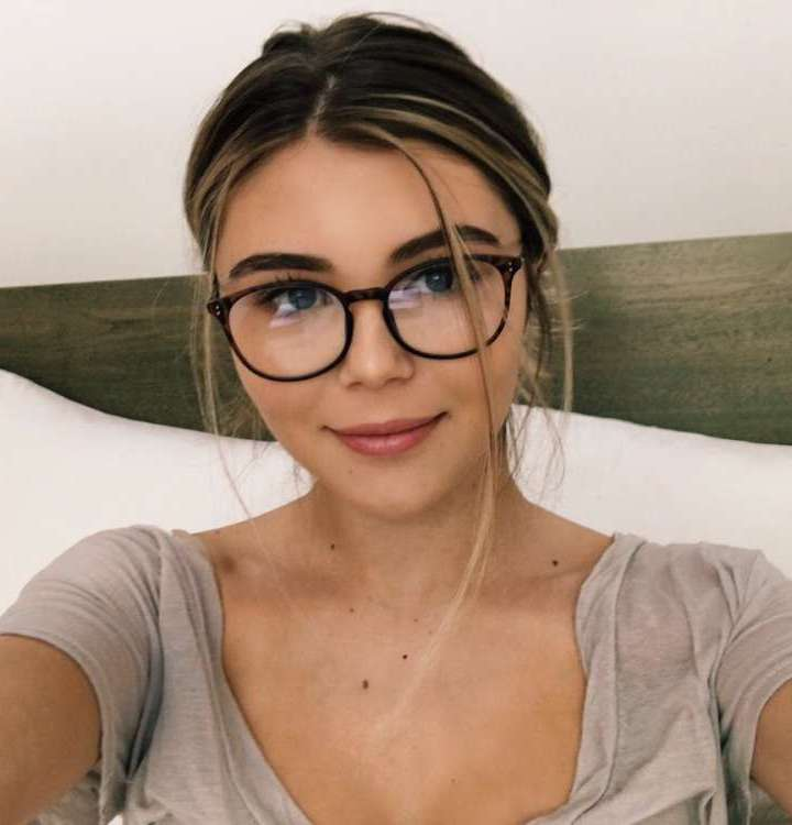 Lori Loughlin's Daughter Olivia Jade's Trademark Application Rejected Due to Poor Punctuation