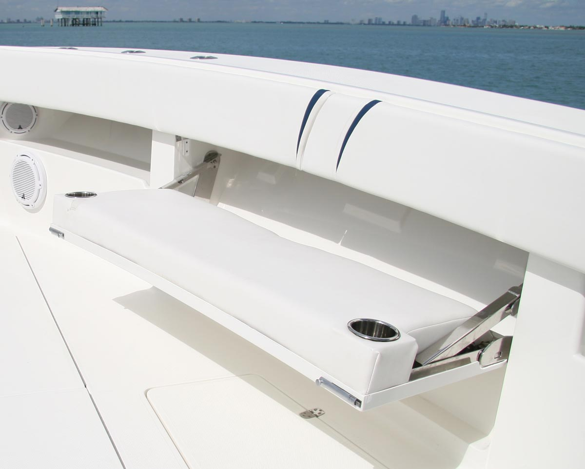 Center Consoles  370Z Details  SeaVee Boats