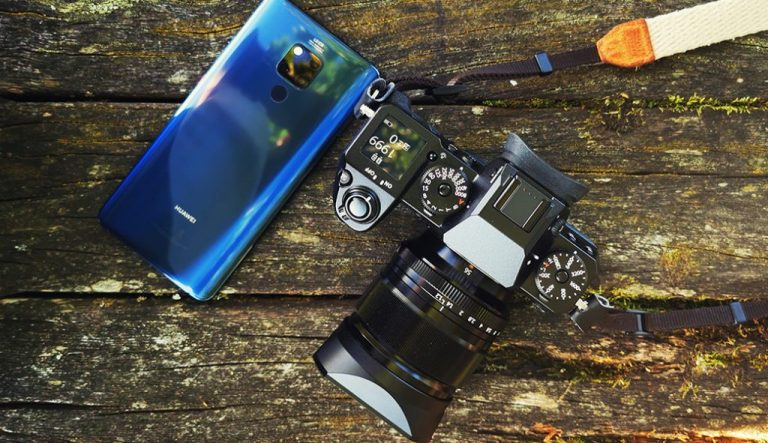 Replacing the camera with a smartphone?