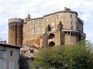 300px-Château_de_Suze_la_Rousse,_Drôme,_France-2005-10-23