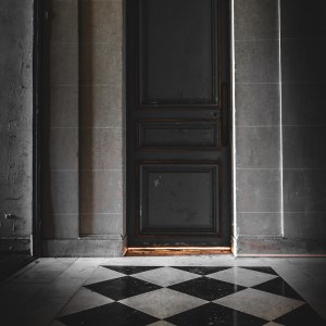 behind the door, urbex, vente en ligne, tableau, dibond
