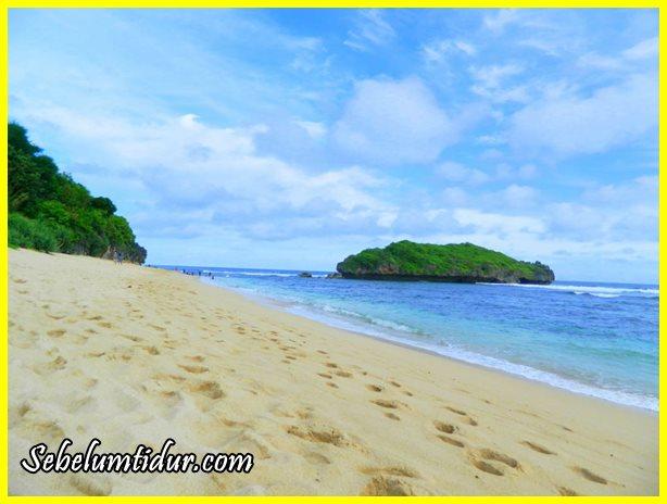pantai sadranan, pantai di gunung kidul, tempat romantis di gunung kidul