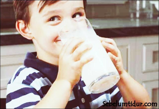 manfaat minum air lemon sebelum tidur