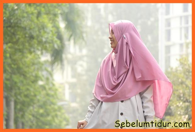 cara berpakaian menurut islam bagi perempuan