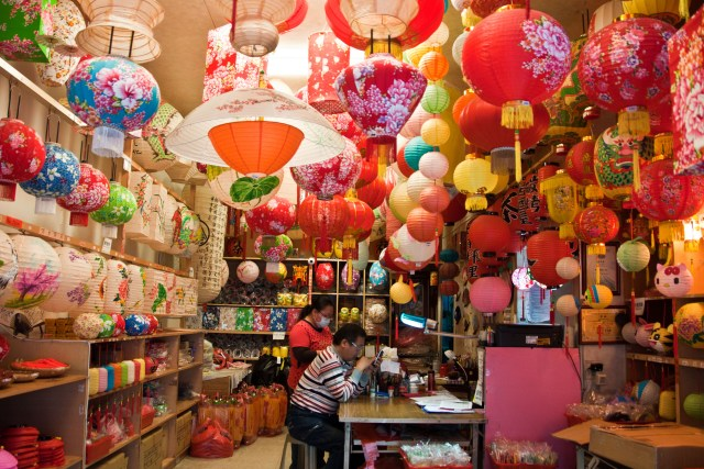 Lantern shop, Lukang - where to go in Taiwan